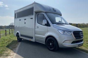 Mercedes paardenvrachtwagen