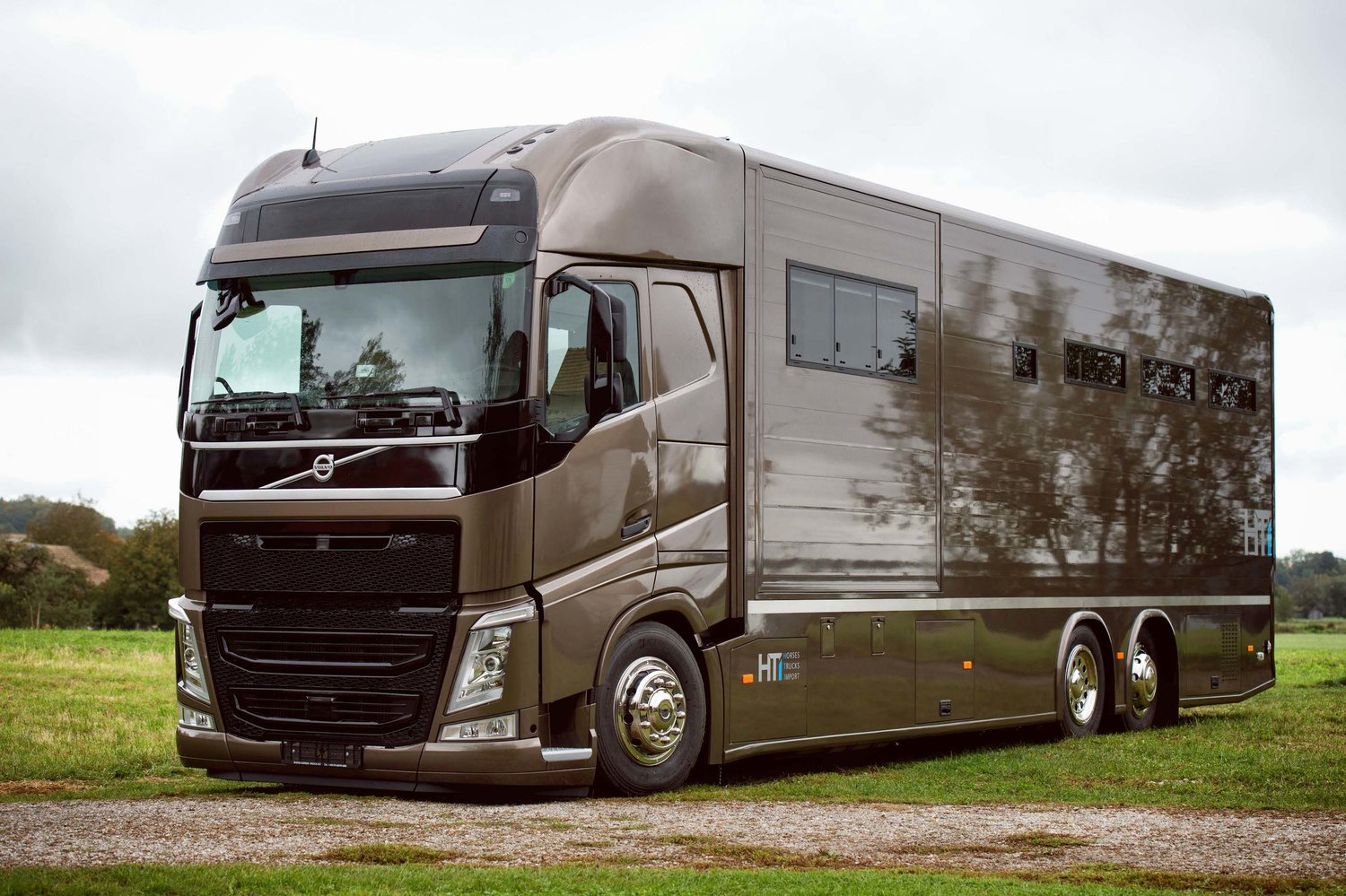 Volvo FH Horsetruck